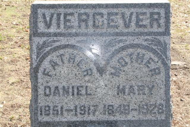 Daniel Viergever 1851-1917 and Mary Klink 1849-1928